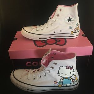 🌺🌺 Hello Kitty Converse NWT 🌺🌺